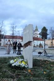 Foto a video: Slávnostné odhalenie pamätníka 30. výročia Novembra 1989 na Námestí Slobody v Prievidzi 9
