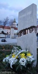 Foto a video: Slávnostné odhalenie pamätníka 30. výročia Novembra 1989 na Námestí Slobody v Prievidzi 12