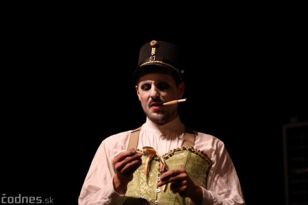 Foto: Josef Švejk - Divadlo Aréna - Frenkieho Vianoce v divadle 2019 - divadelný festival Myjava 61