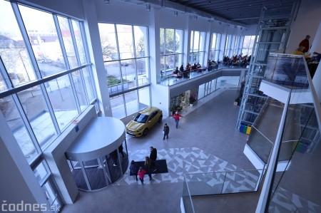 """Foto: Interiér a exteriér """"Titanik"""" PROCentrum - Prievidza - Obchodné centrum 82"""
