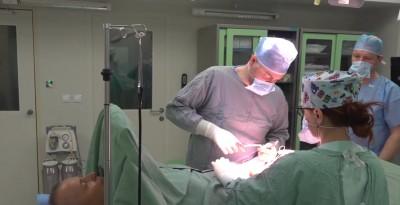 Foto a video : Prvá operácia na Valentína v nových sálach v bojnickej nemocnici