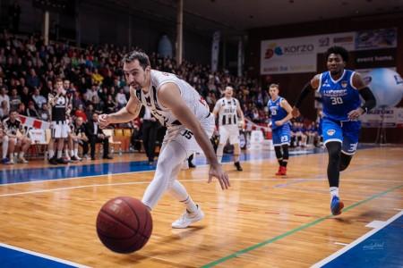 Foto: Final Four Budiš Slovenský pohár 2019/2020 - finále: BC Prievidza - BKM Lučenec 75:63 5