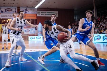 Foto: Final Four Budiš Slovenský pohár 2019/2020 - finále: BC Prievidza - BKM Lučenec 75:63 8