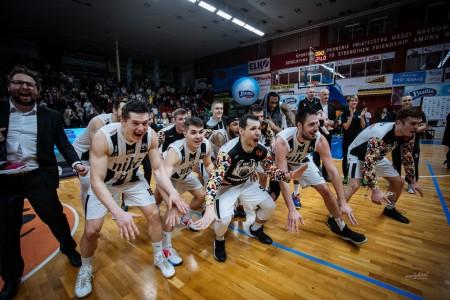 Foto: Final Four Budiš Slovenský pohár 2019/2020 - finále: BC Prievidza - BKM Lučenec 75:63 133