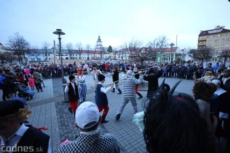 Foto: Fašiangy na námesti v Prievidzi a fašiangový sprievod 2020 13