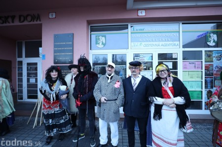 Foto: Fašiangy na námesti v Prievidzi a fašiangový sprievod 2020 21