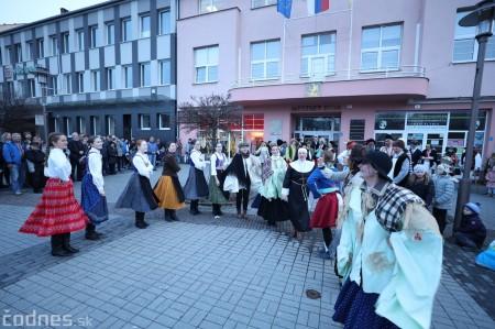 Foto: Fašiangy na námesti v Prievidzi a fašiangový sprievod 2020 32