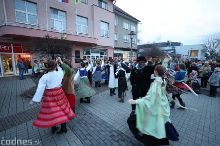 Foto: Fašiangy na námesti v Prievidzi a fašiangový sprievod 2020 45