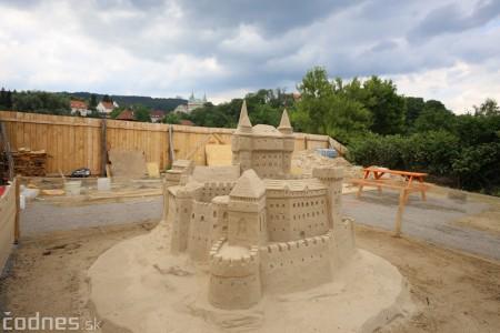 Foto a video: Obrovské pieskové sochy v Bojniciach budete môcť vidieť už od zajtra 27.6. 11