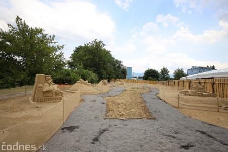 Foto a video: Obrovské pieskové sochy v Bojniciach budete môcť vidieť už od zajtra 27.6. 14
