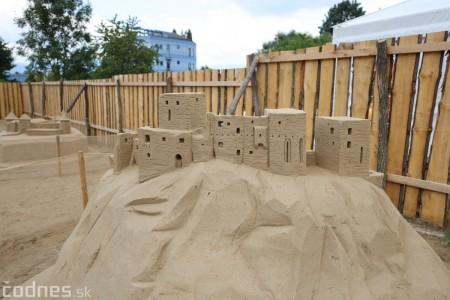 Foto a video: Obrovské pieskové sochy v Bojniciach budete môcť vidieť už od zajtra 27.6. 16