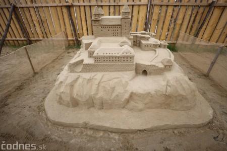 Foto a video: Obrovské pieskové sochy v Bojniciach budete môcť vidieť už od zajtra 27.6. 20