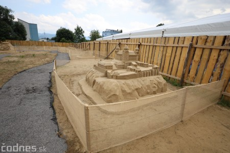 Ihrisko pod farou Bojnice - Gumy land, pieskové sochy, bistro 35