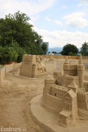Ihrisko pod farou Bojnice - Gumy land, pieskové sochy, bistro 44