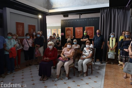 Foto: Vernisáž výstavy - Amália Lomnická - Stvárňovanie 10