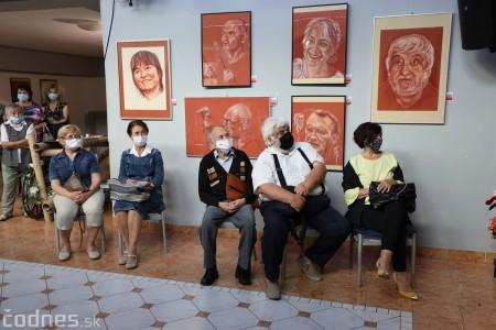Foto: Vernisáž výstavy - Amália Lomnická - Stvárňovanie 19