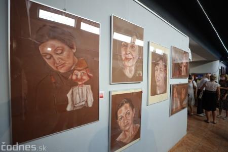 Foto: Vernisáž výstavy - Amália Lomnická - Stvárňovanie 48