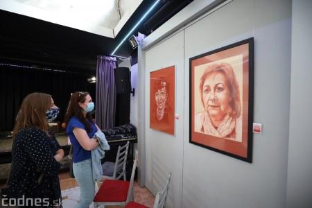 Foto: Vernisáž výstavy - Amália Lomnická - Stvárňovanie 52