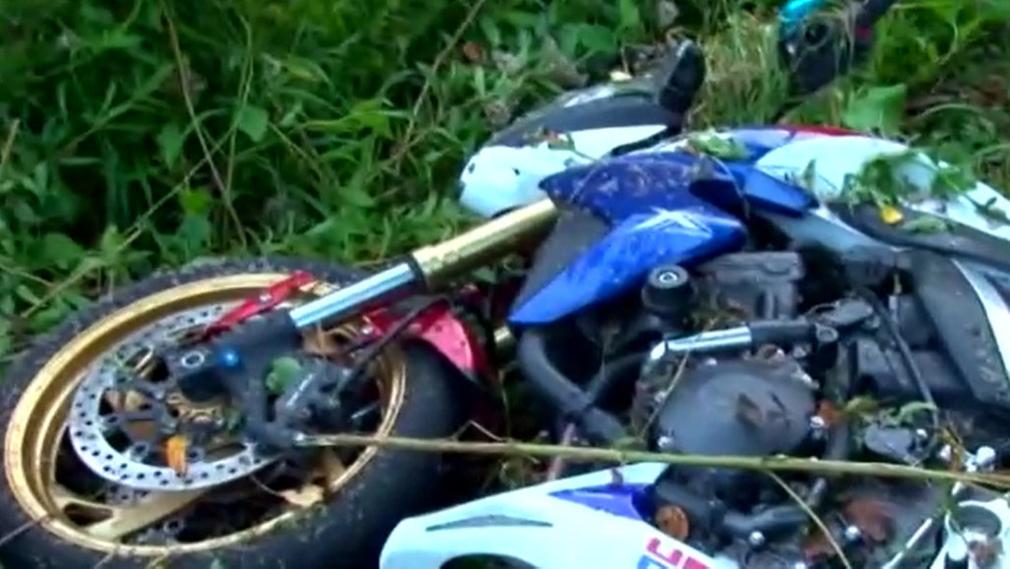 Video: Muž s koronavírusom z okresu Prievidza havaroval na motorke: Ohrozil množstvo ľudí, policajtov aj zdravotníkov
