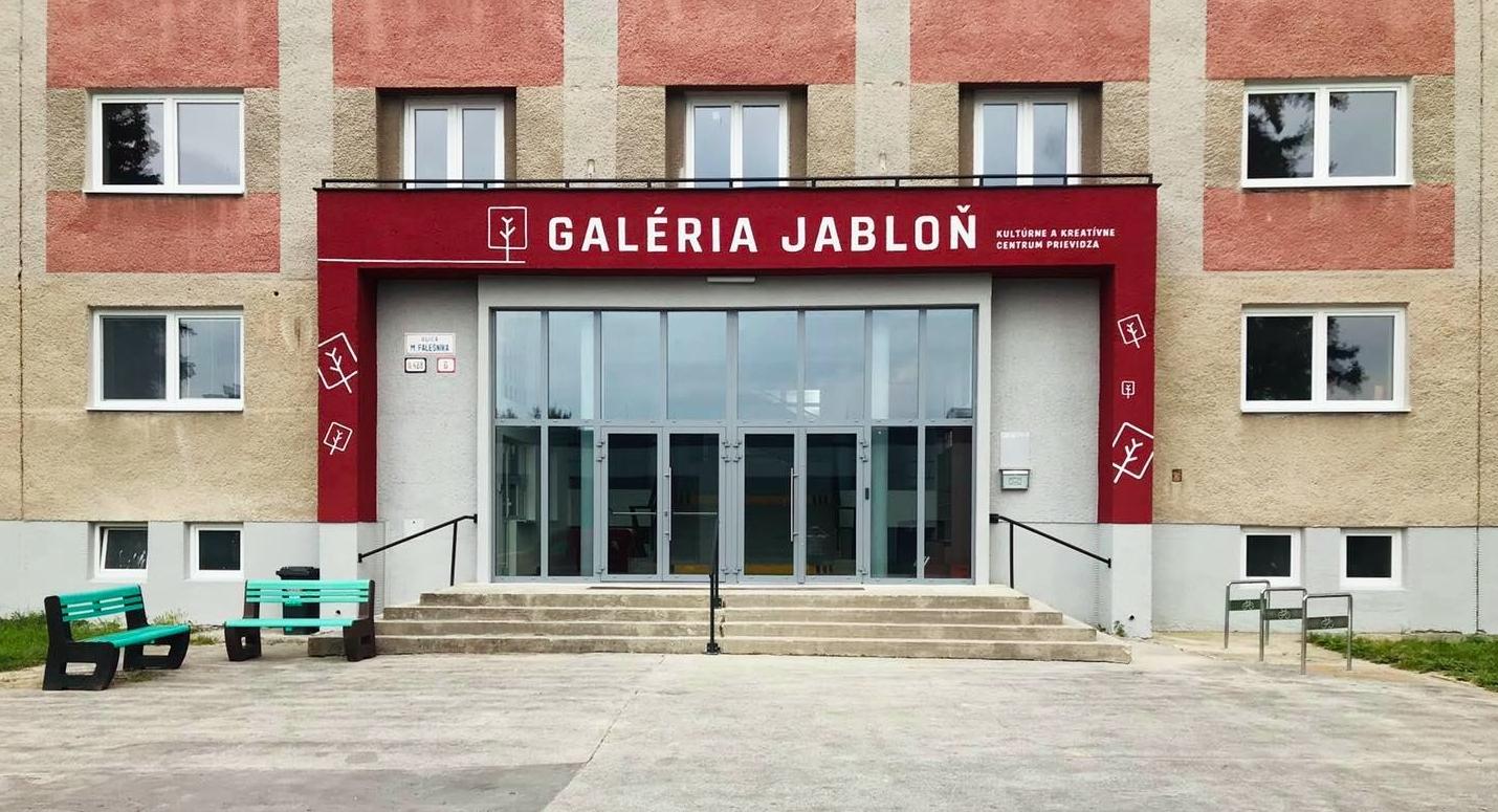 Foto a video: Novinky v Galérii Jabloň a 1. septembra bude v Galérii Jabloň 1.máj