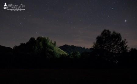 Foto: Hrad Sivý kameň Podhradie - západ slnka a nočná obloha 4