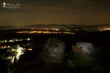 Foto: Hrad Sivý kameň Podhradie - západ slnka a nočná obloha 11