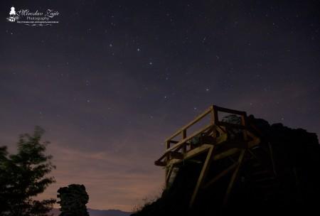 Foto: Hrad Sivý kameň Podhradie - západ slnka a nočná obloha 12