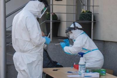 Koronavírus: Na Slovensku padol nový rekord nových pozitívne testovaných, pripady pribudli aj v okrese Prievidza