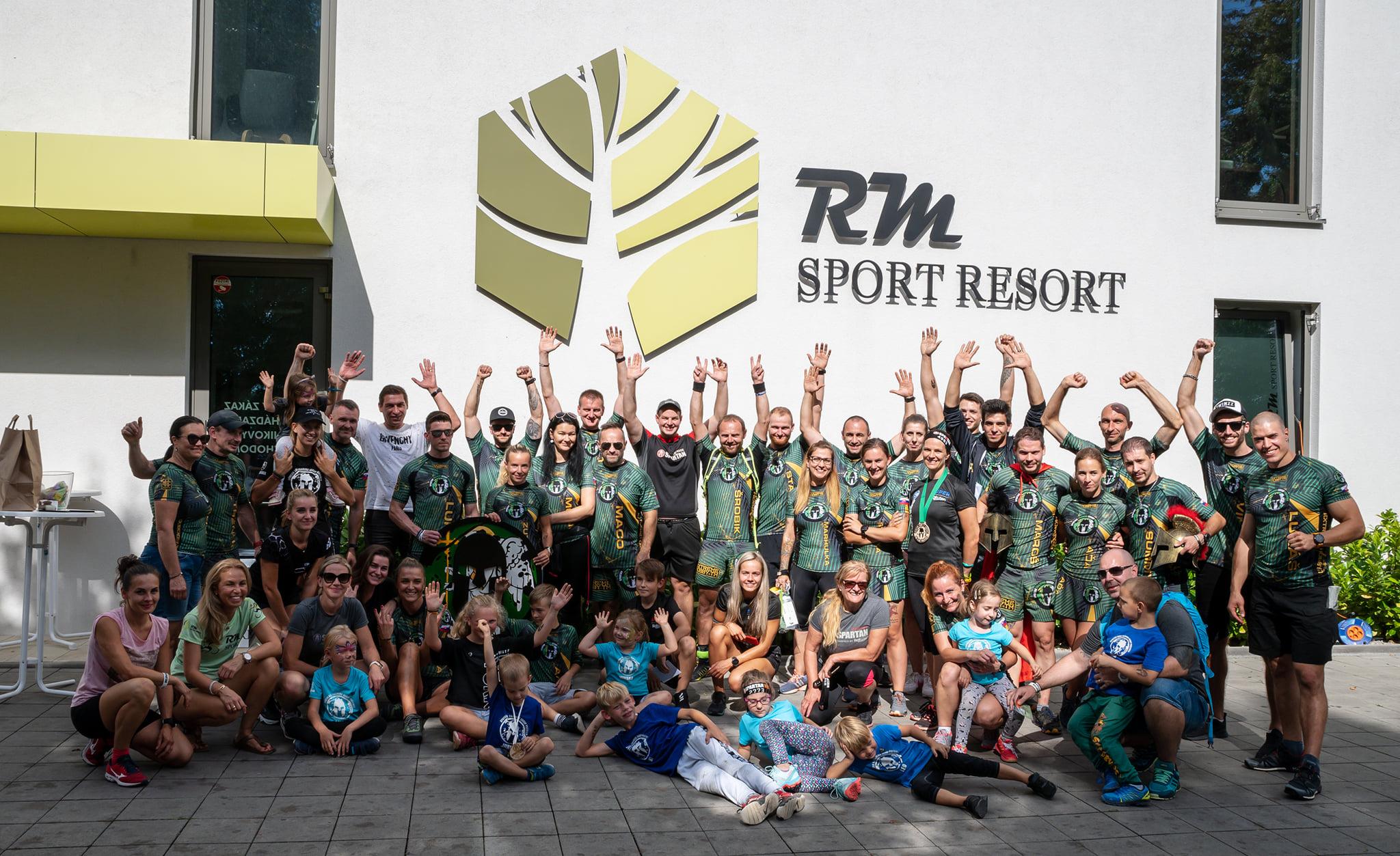 Foto a video: Tretí ročník charitatívneho športového dňa v Prievidzi - Spartan - šport aj životný štýl