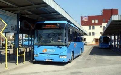 Mestské pozemky na autobusovej stanici v Prievidzi sa predávať nebudú. Súkromná firma stiahla svoju žiadosť o kúpu časti pozemkov.
