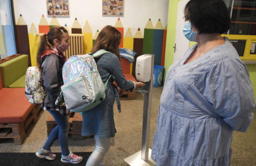 Lehota p. Vtáčnikom: Žiaci aj učitelia ZŠ sú v domácej karanténe