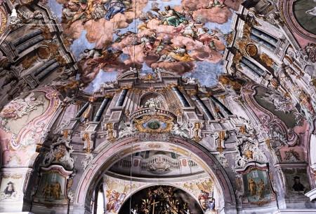 Foto: Piaristický kostol Najsvätejšej Trojice v Prievidzi 5