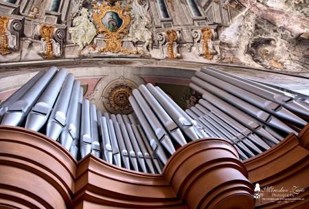 Foto: Piaristický kostol Najsvätejšej Trojice v Prievidzi 19