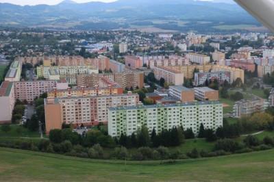 Sčítania obyvateľov, domov a bytov (SODB) 2021: Trenčiansky kraj spočítal už dve tretiny bytov, skokanom mesiaca bolo kúpeľné mesto