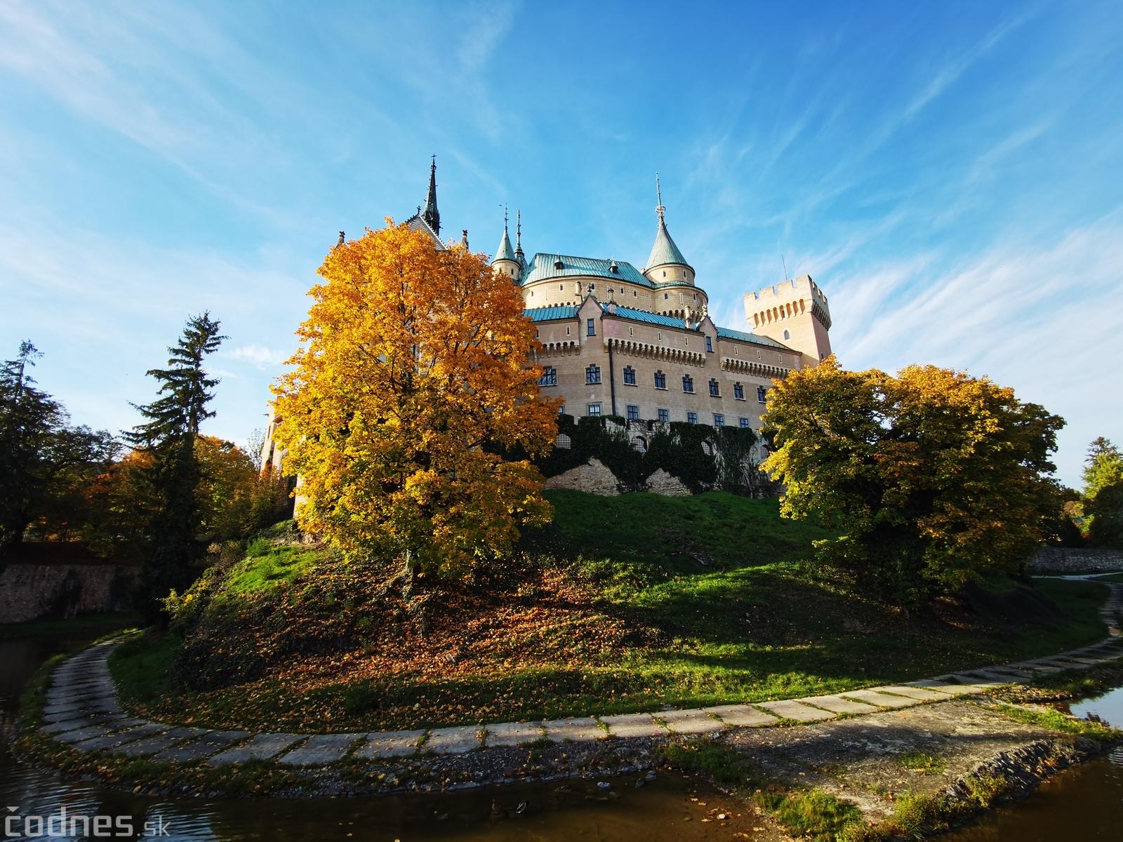 Foto: Jesenné Bojnice a Bojnický zámok