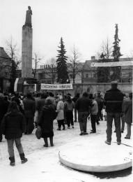 Foto: Ako vyzeral 17. november 1989 v Prievidzi? 1