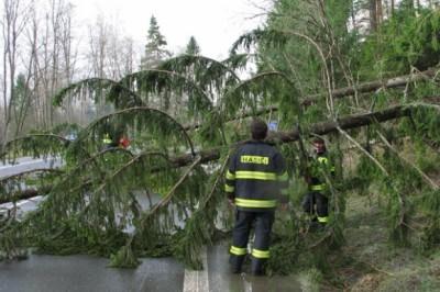 Meteorológovia varujú pred silným vetrom na horách i poľadovicou