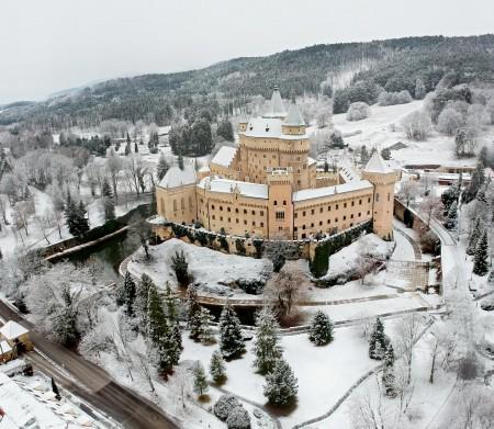 Foto: Bojnický zámok a Bojnice v zime 1