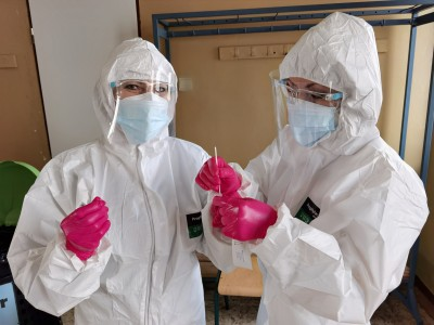 Výsledky vikendového testovania: Sobota mesto Prievidza otestovalo spolu 3701 osôb, z toho 16 testov bolo pozitívnych. Okres Prievidza