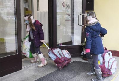 Školy v Prievidzi navštevuje prezenčne 80 percent žiakov