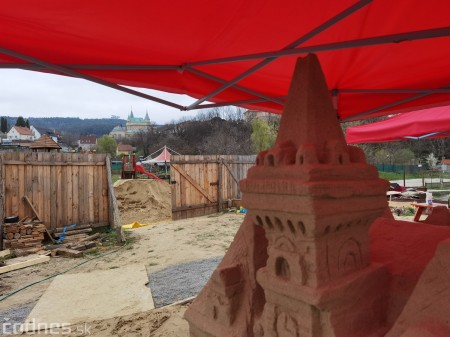 Foto: Pieskové sochy v Bojniciach budú aj tento rok. Práce na nových sochách práve prebiehajú 5