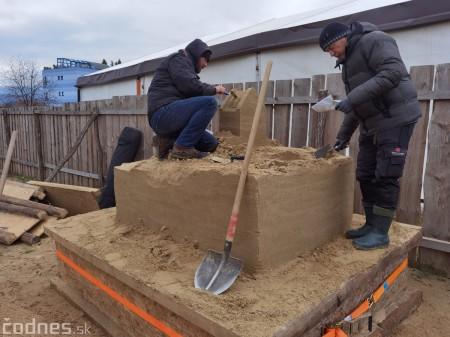 Foto: Pieskové sochy v Bojniciach budú aj tento rok. Práce na nových sochách práve prebiehajú 7
