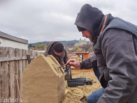 Foto: Pieskové sochy v Bojniciach budú aj tento rok. Práce na nových sochách práve prebiehajú 8