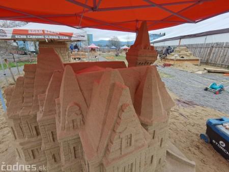Foto: Pieskové sochy v Bojniciach budú aj tento rok. Práce na nových sochách práve prebiehajú 11
