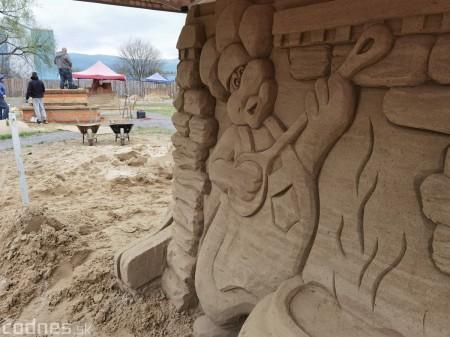 Foto: Pieskové sochy v Bojniciach budú aj tento rok. Práce na nových sochách práve prebiehajú 16