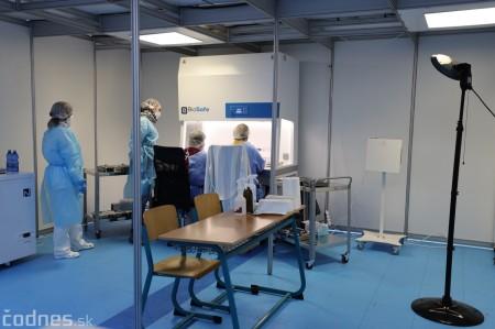Foto a video: V Prievidzi dnes otvorili veľkokapacitné očkovacie centrum. Tento víkend zaočkujú 2000 ľudí 14