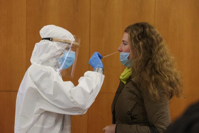 Počet pozitívnych PCR testov klesol v okrese Prievidza takmer o 30 %