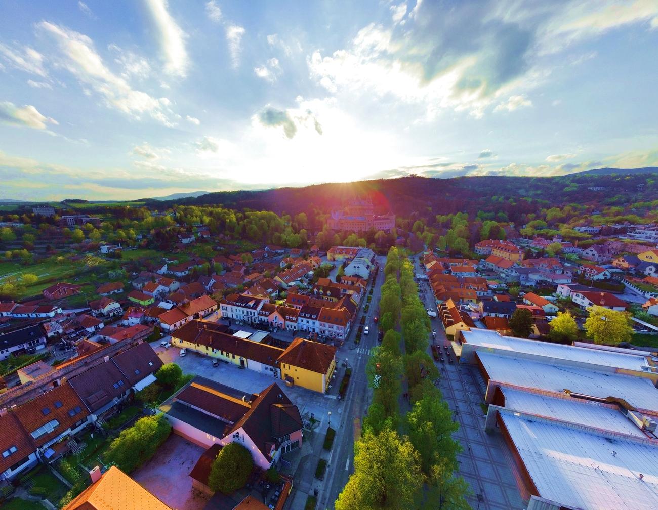 Mesto Bojnice odpustí polovicu nájomného nájomníkom v mestských nebytových priestoroch.