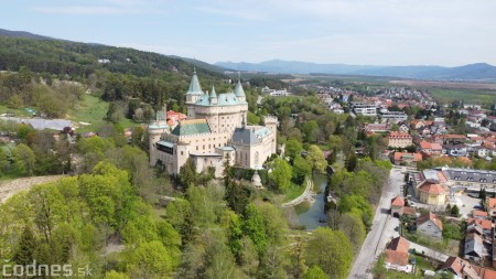 Foto: Rozkvitnuté Bojnice a okolie Bojnického zámku 21
