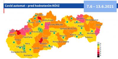 Covid automat: Okres Prievidza ostáva žltý. Slovensko už má dva zelene okresy